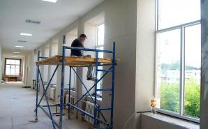 Срочно требуются слесари и сварщики  для ремонта школы № 4